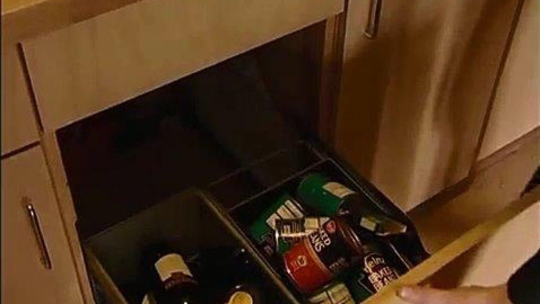 בד זד - מיכלים מובנים להפרדת פסולת במטבח (BioRegional, 2008, screenshot 0107)